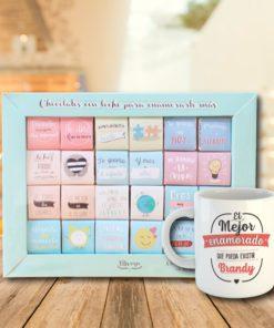 caja de 24 chocolates con diseño para enamorados y taza blanca