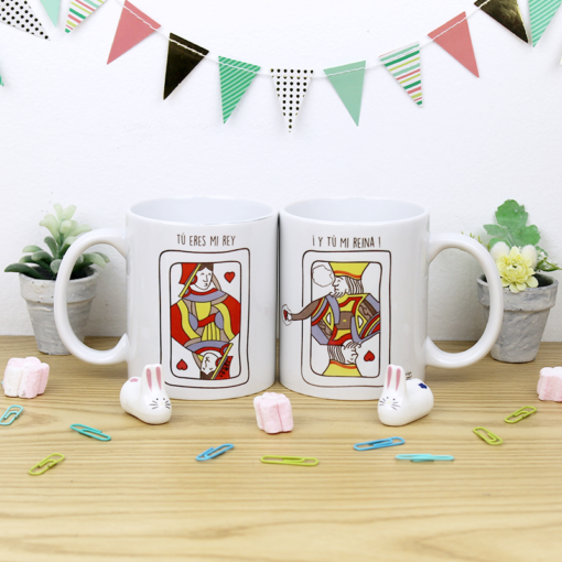 tazas pareja blancas con diseño de carta de reyna y rey