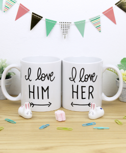 tazas pareja blancas con diseño i love him and her